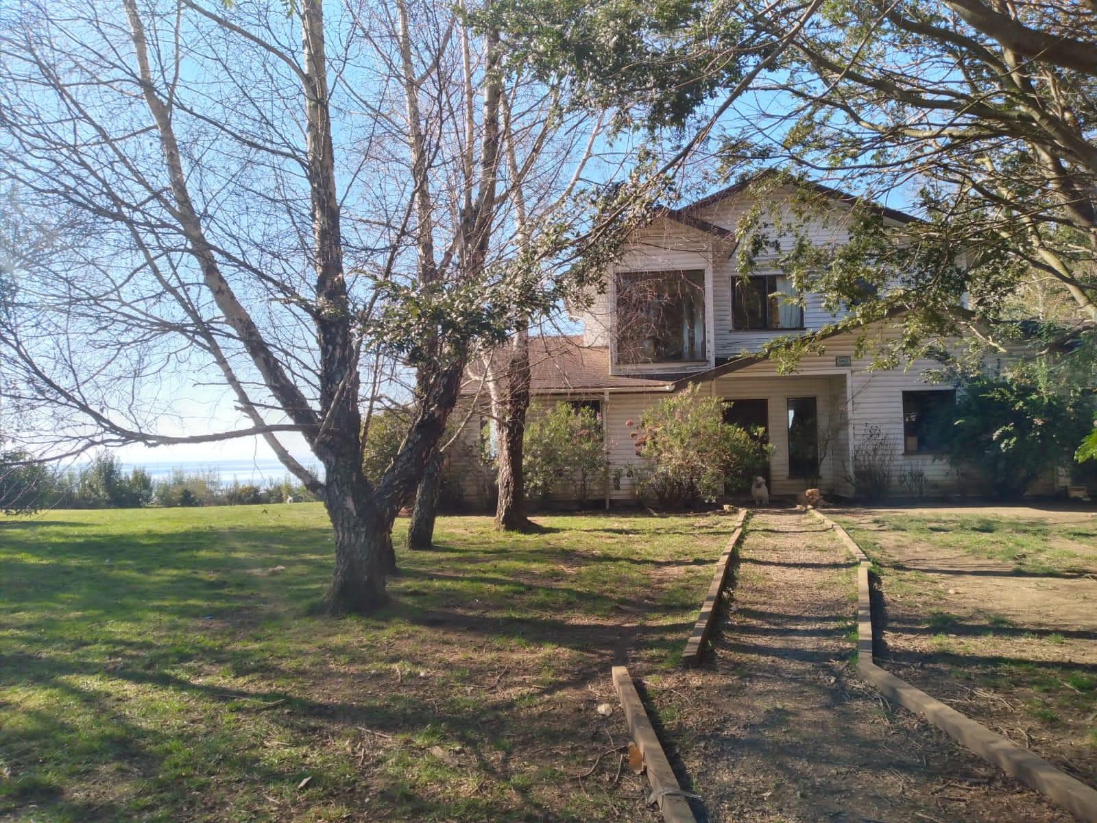Se Arrienda Casa con espectacular vista al Lago y Volcanes, Puerto Varas.